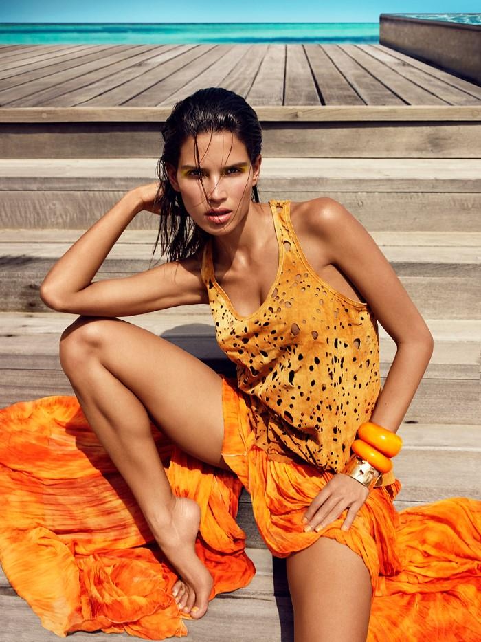 Vogue_India-March_2016-Raica_Oliveira-by-Luis_Monteiro-08.jpg