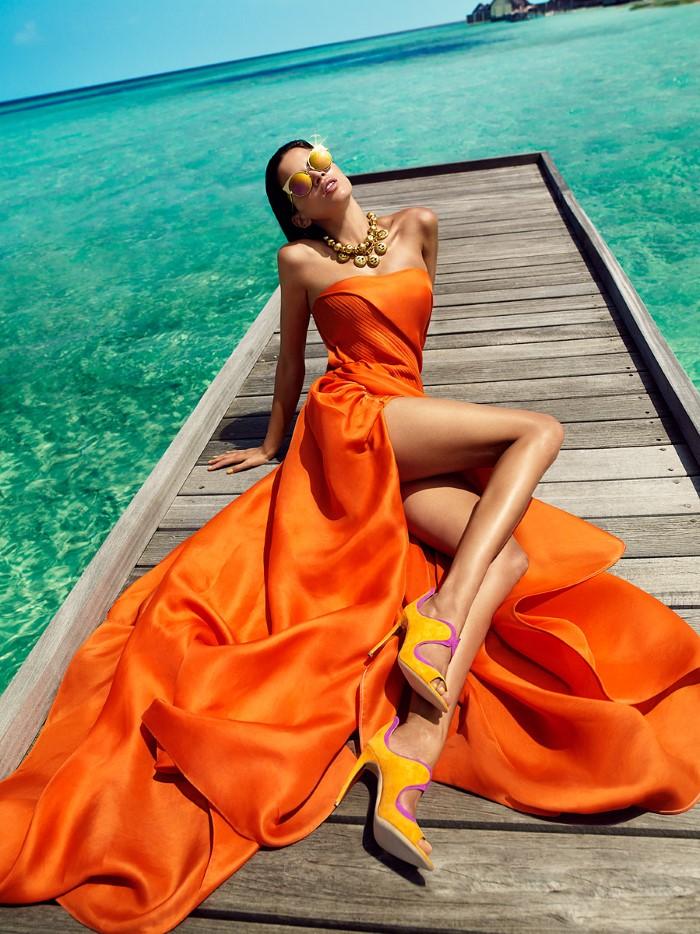 Vogue_India-March_2016-Raica_Oliveira-by-Luis_Monteiro-11.jpg