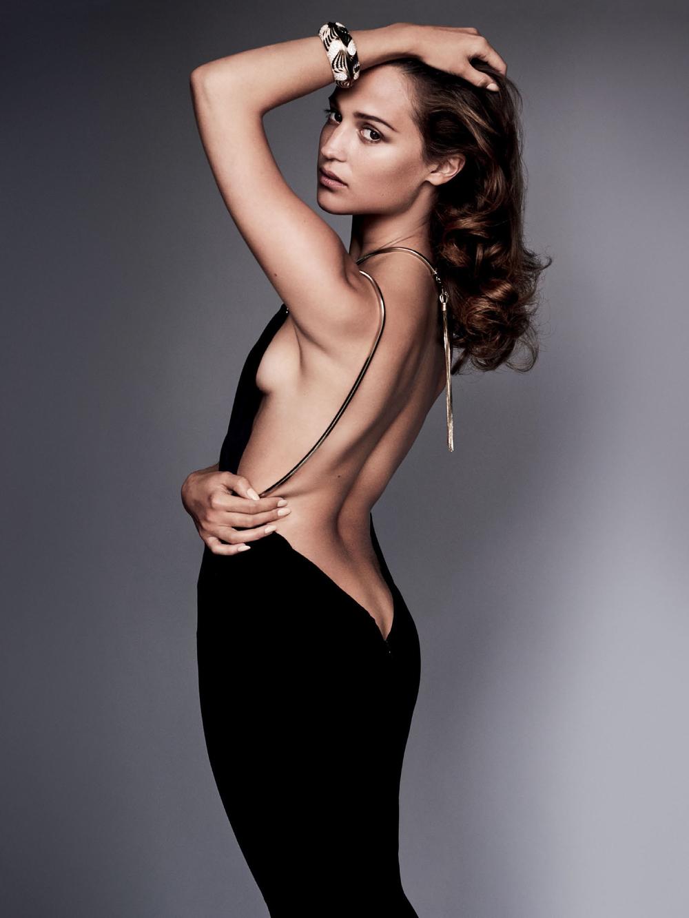 Alicia Vikander Glows In Mario Testino Images For Vanity ...