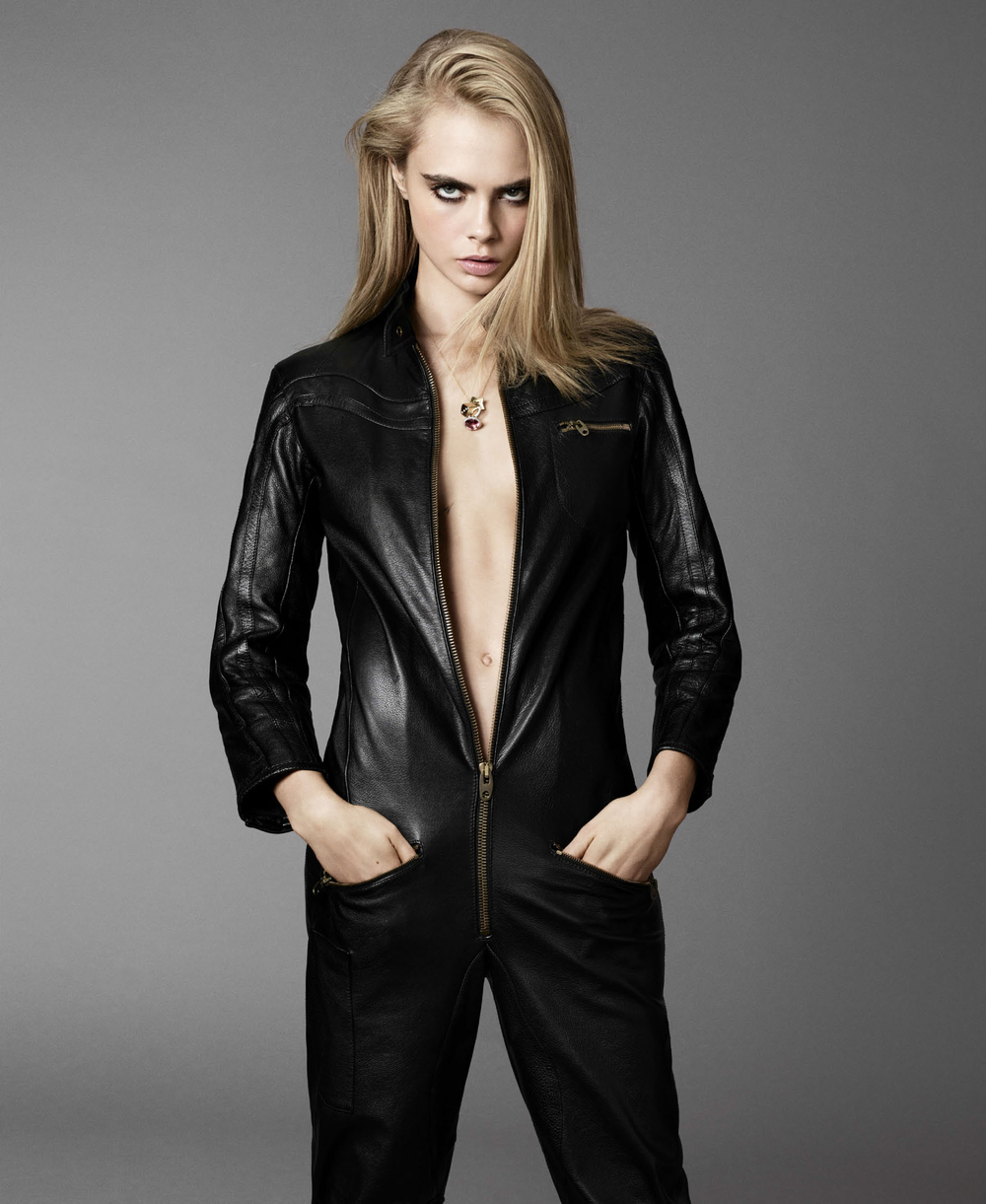 Cara Delevingne Goes Lightly By Terry Tsiolis For Elle US