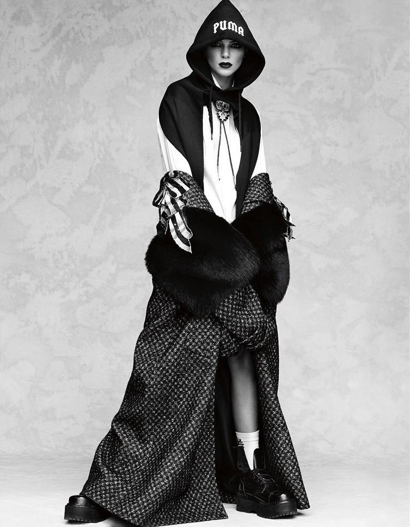 Vogue_Japan-October_2016-Kendall_Jenner-by-Luigi_and_Iango-p08.jpg