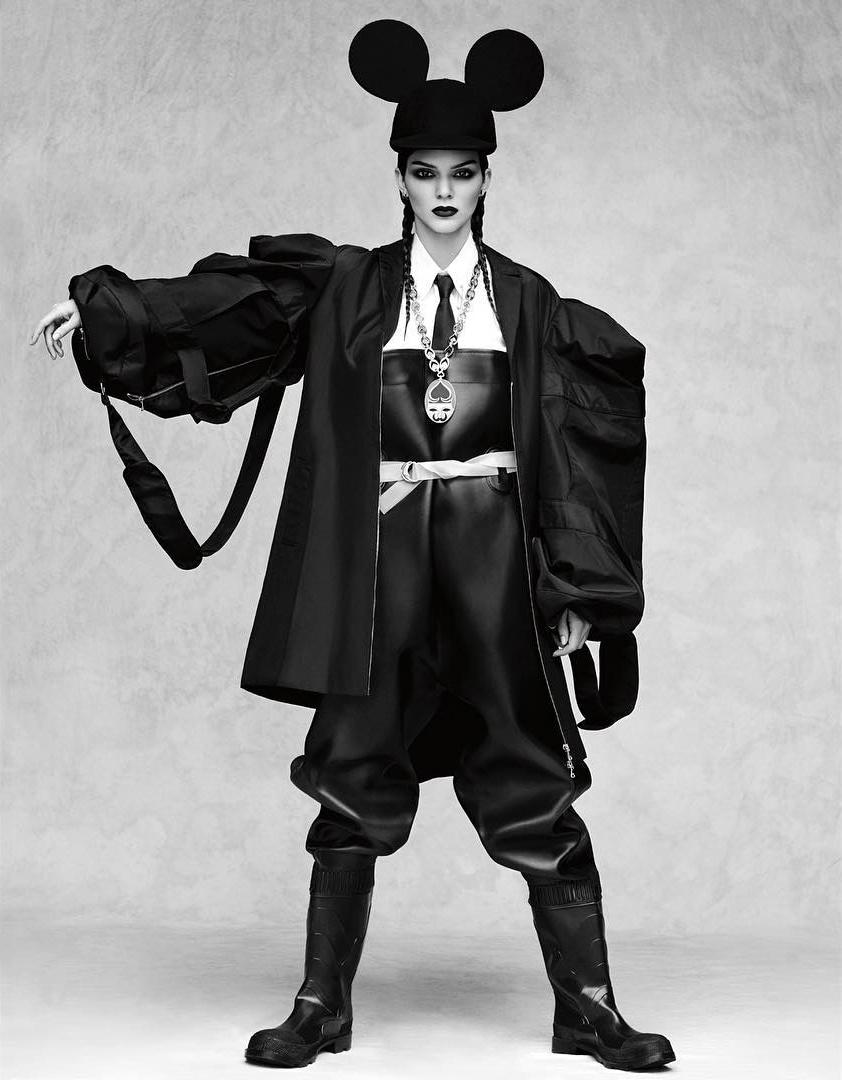 Vogue_Japan-October_2016-Kendall_Jenner-by-Luigi_and_Iango-p11.jpg