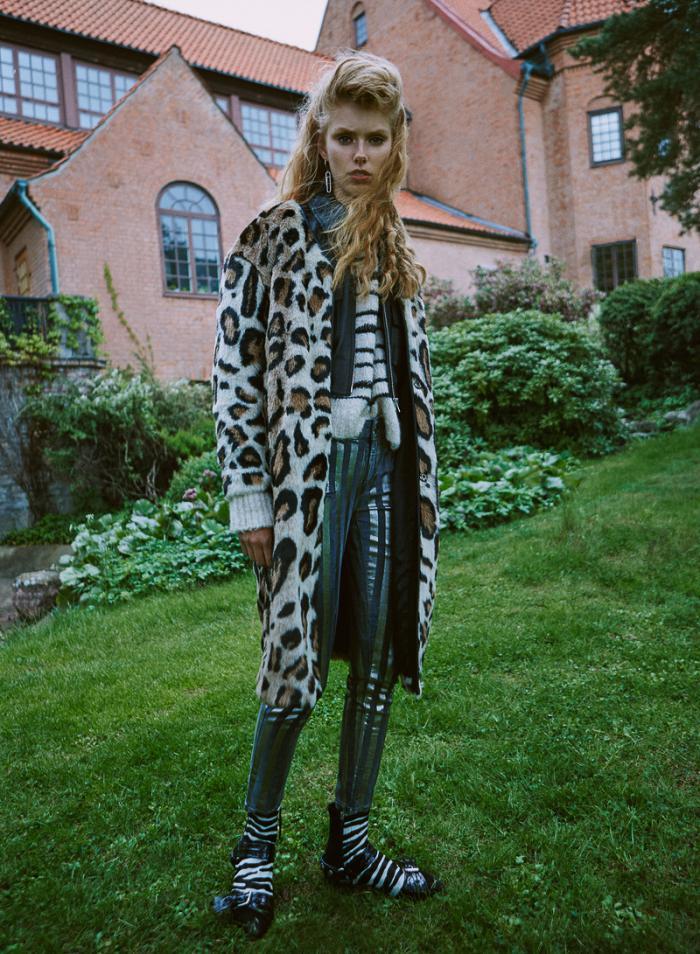 ELLE-Sweden-September-2016-Lulu-Leika-Frida-Westerlund-and-Signe-Lund-Jensen-by-Johnny-Kangasniemi-8.jpg