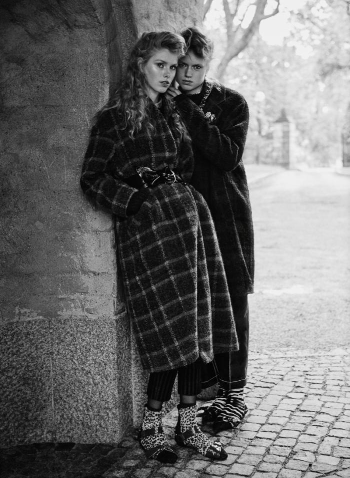 ELLE-Sweden-September-2016-Lulu-Leika-Frida-Westerlund-and-Signe-Lund-Jensen-by-Johnny-Kangasniemi-4.jpg