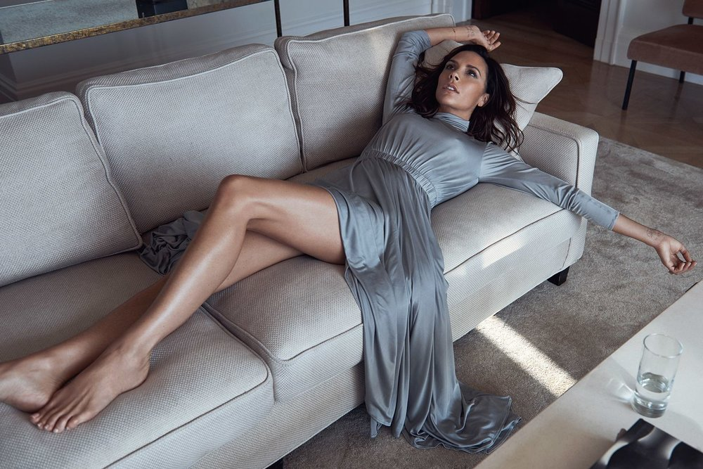 vogue-uk-october-2016-victoria-beckham-by-lachlan-bailey-07.jpg
