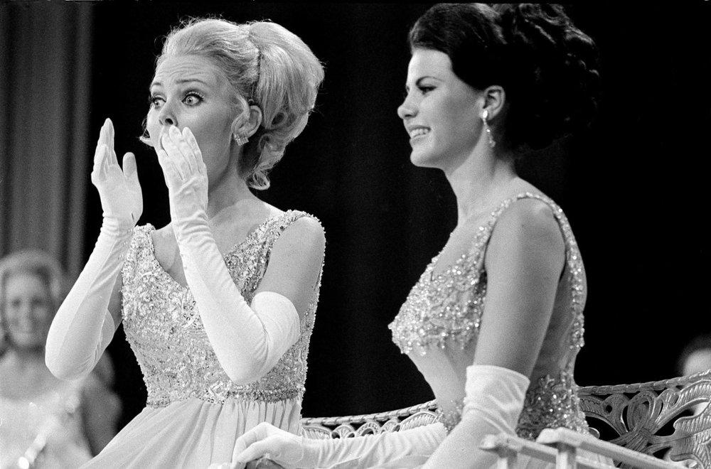 Miss Michigan, Pamela Anne Eldred, and Miss Ohio , Kathy Lynn Baumann, September 7, 1969