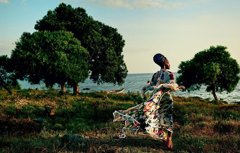 lupita-nyongo-vogue-october-cover-2016-02.jpg
