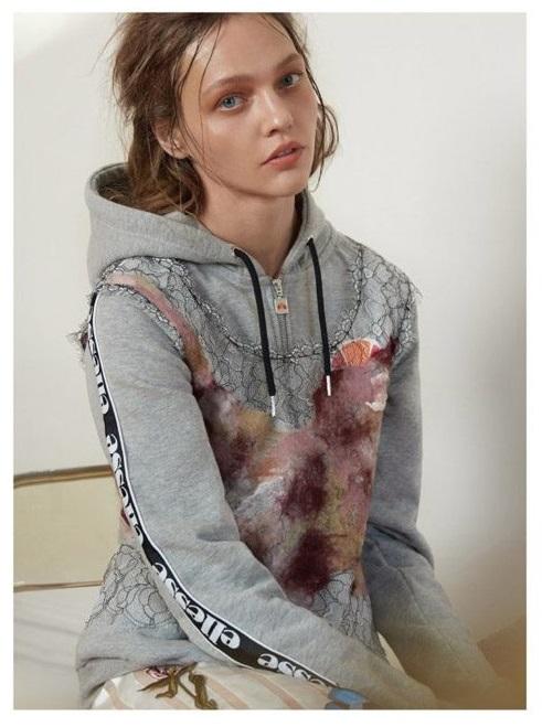 Sasha-Pivovarova-AnOther-Magazine-Roe-Ethridge- (1).jpg