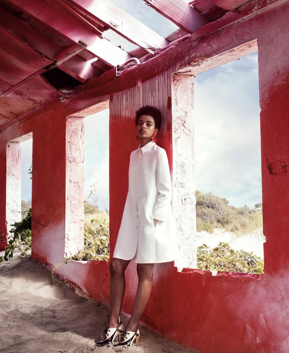 Harpers-Bazaar-US-November-2016-Alecia-Morais-by-Victor-Demarchelier-02.jpg