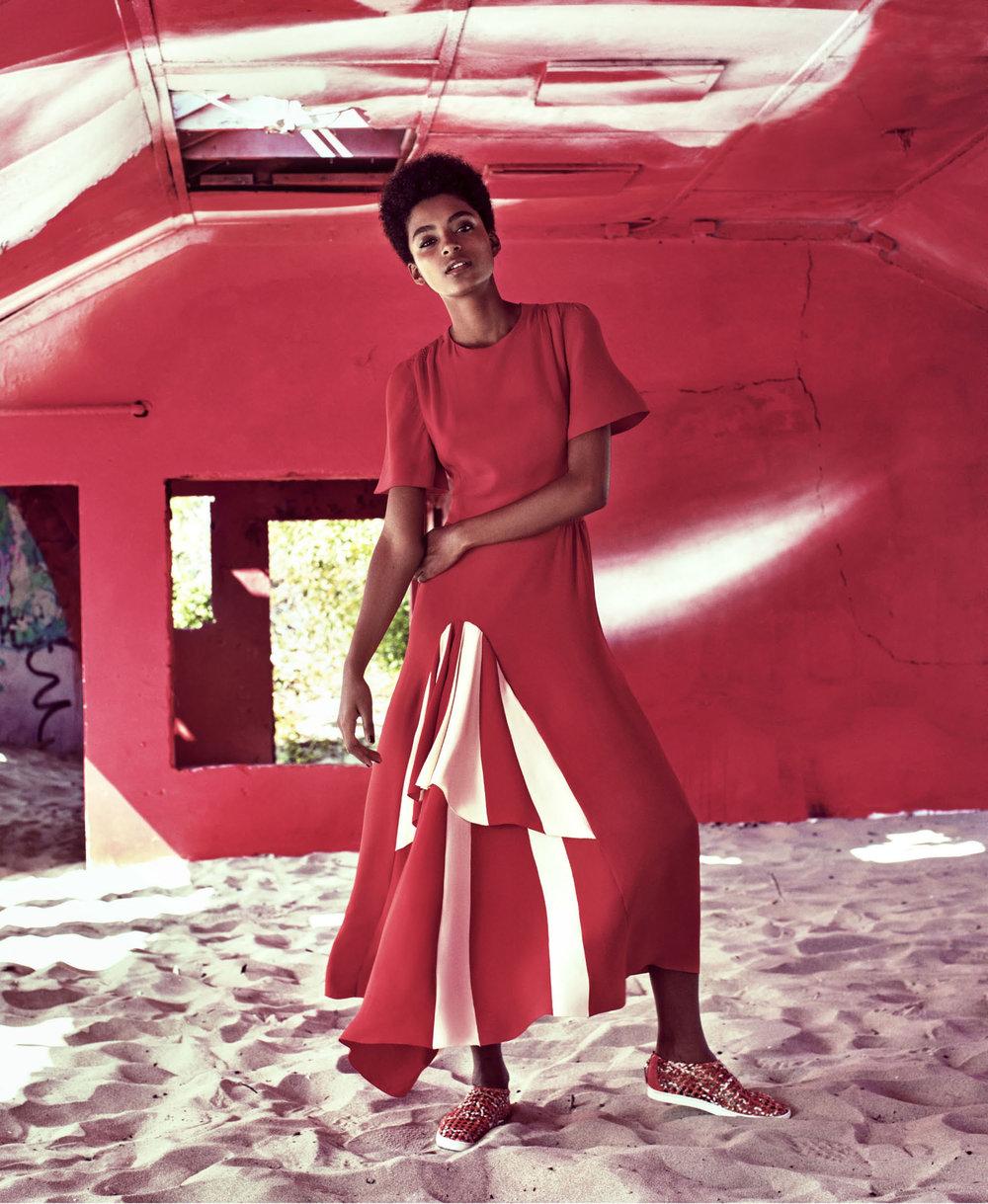 Harpers-Bazaar-US-November-2016-Alecia-Morais-by-Victor-Demarchelier-04.jpg