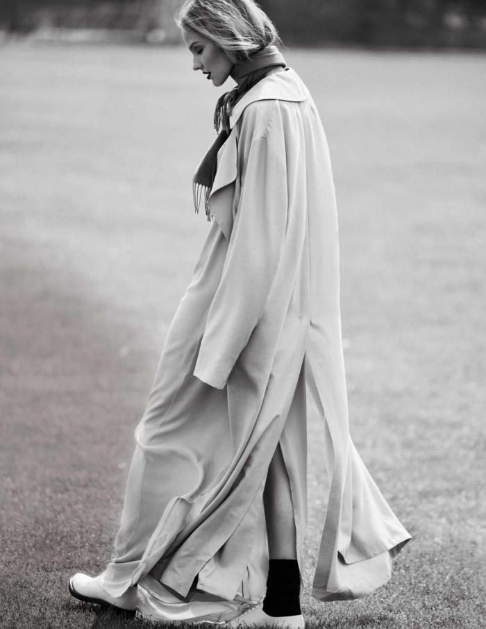 Vogue Spain Nov-Sasha-Luss-Daniel-Riera- (1).jpg