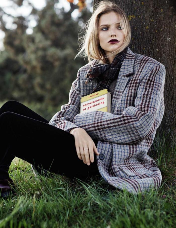 Vogue Spain Nov-Sasha-Luss-Daniel-Riera- (9).jpg