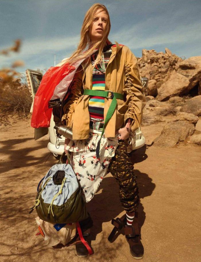 Vogue-UK-January-2017-Lexi-Boling-by-Mario-Testino- (6).jpg