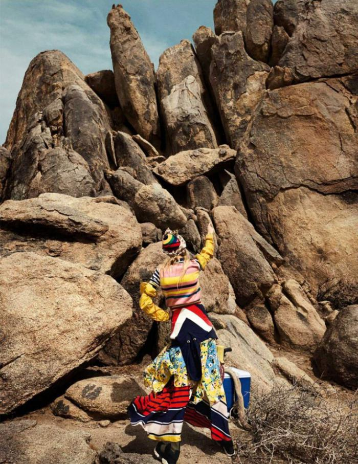 Vogue-UK-January-2017-Lexi-Boling-by-Mario-Testino- (8).jpg