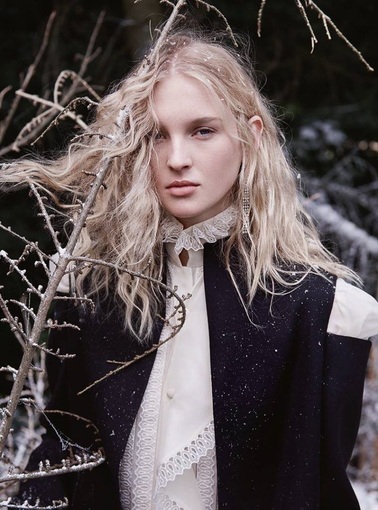 Harpers-Bazaar-UK-January-2017-Nastya-Sten-by-Agata-Pospieszynska- (20).jpg