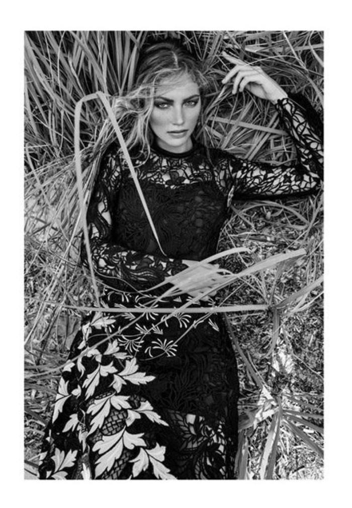 Kalli-Dangerfield-Two-Sided-Magazine-Eduardo-Rezende-02-620x829.jpg