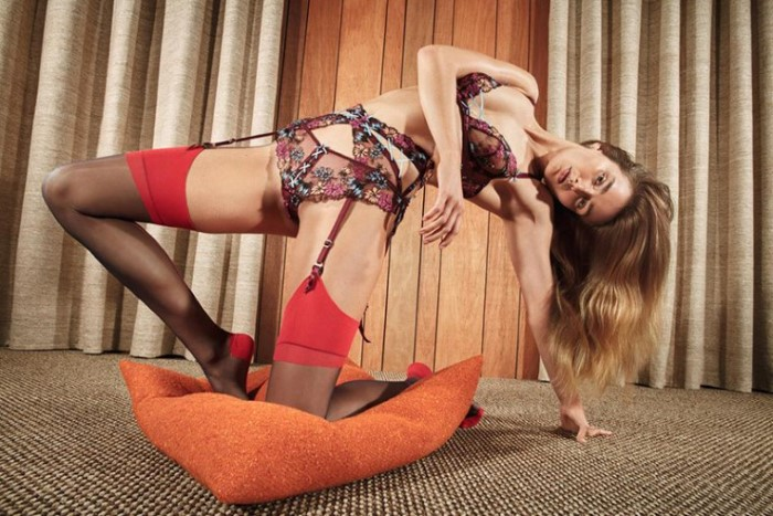 Andreea-Diaconu-by-Mario-Sorrenti-for-Agent-Provocateur-SS-2017-Ad-Campaign-2.jpg