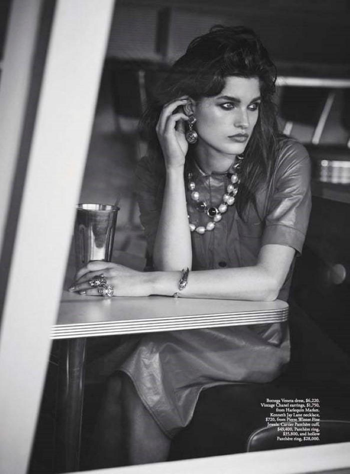 Julia-van-Os-by-Nicole-Bentley-for-Vogue-Australia-March-2017-9.jpg