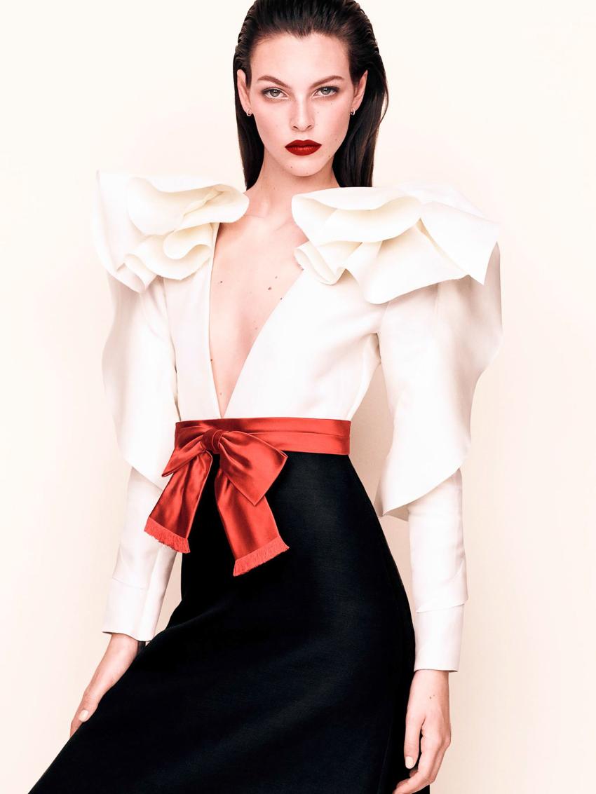Vogue-Japan-April-2017-Vittoria-Ceretti-by-Luigi-and-Iango-1-2.jpg