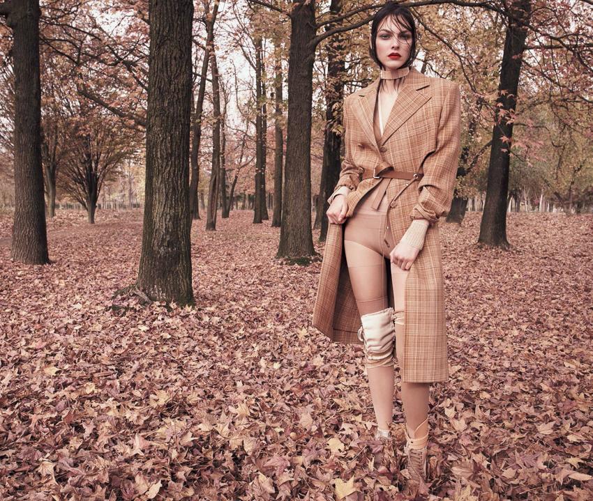 Vogue-Japan-April-2017-Vittoria-Ceretti-by-Luigi-and-Iango-7.jpg