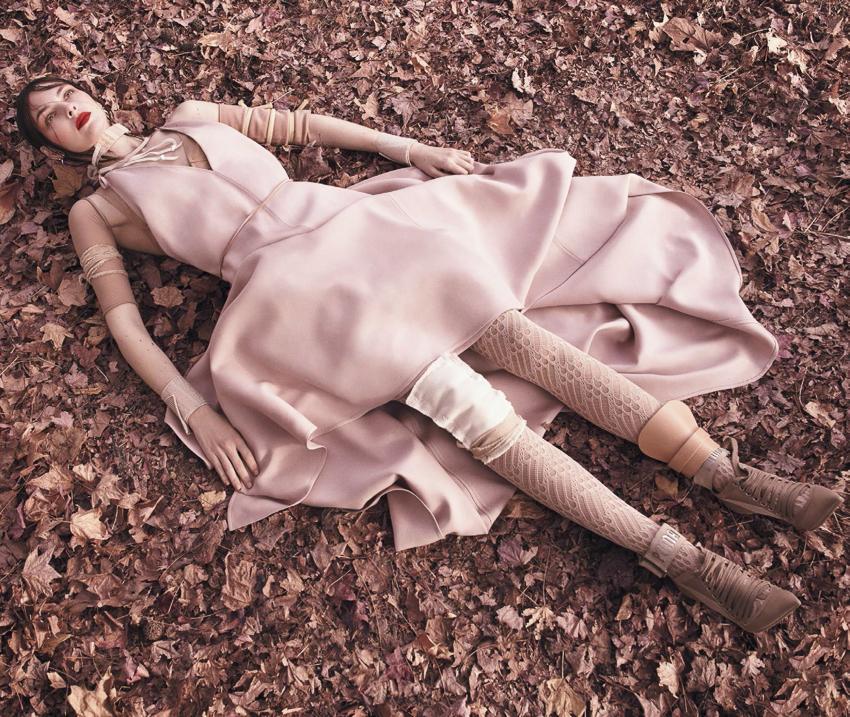 Vogue-Japan-April-2017-Vittoria-Ceretti-by-Luigi-and-Iango-11.jpg