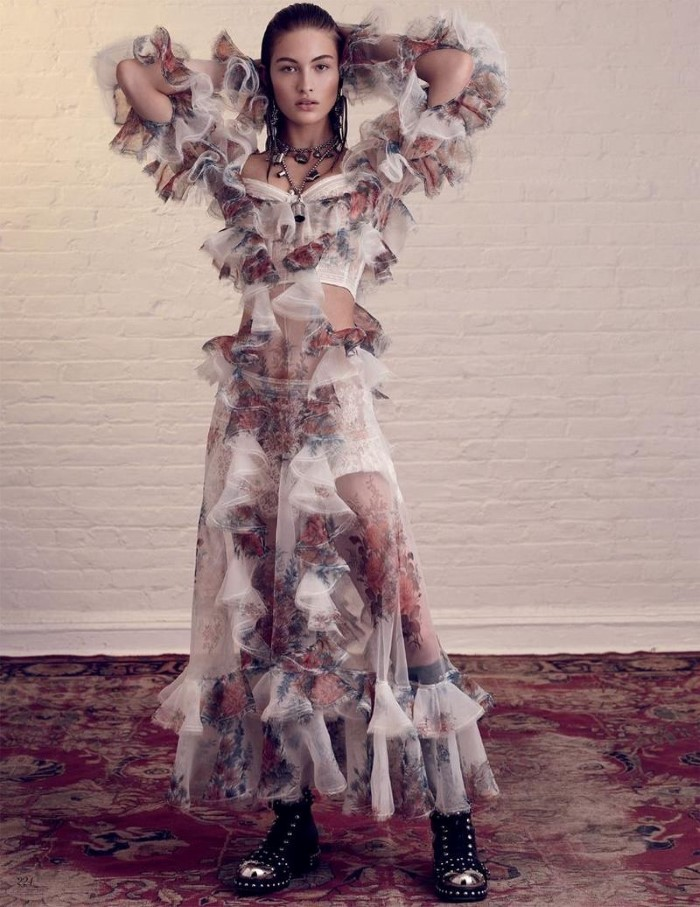 Grace-Elizabeth-Vogue-Russia-April-2017-Cover-Editorial03.jpg