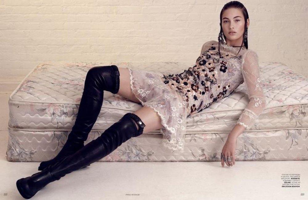 Grace-Elizabeth-Vogue-Russia-April-2017-Cover-Editorial09.jpg