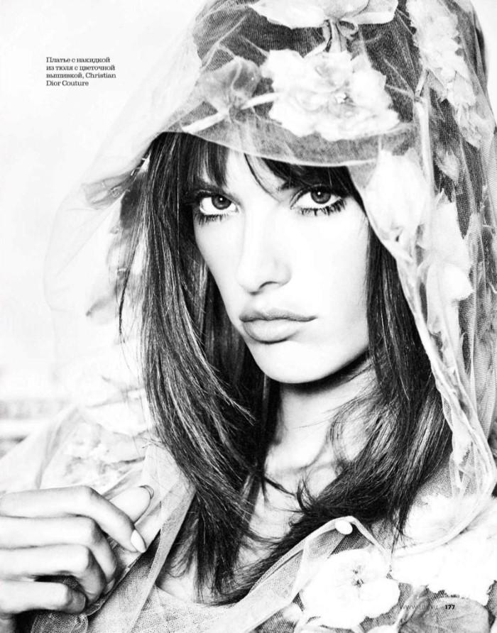 Alessandra-Ambrosio-ELLE-Russia-April-2017-Cover-Photoshoot04.jpg
