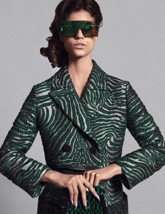 Antonina-Petkovic-Vogue-Arabia-Nicolas-Moore- (1).jpg
