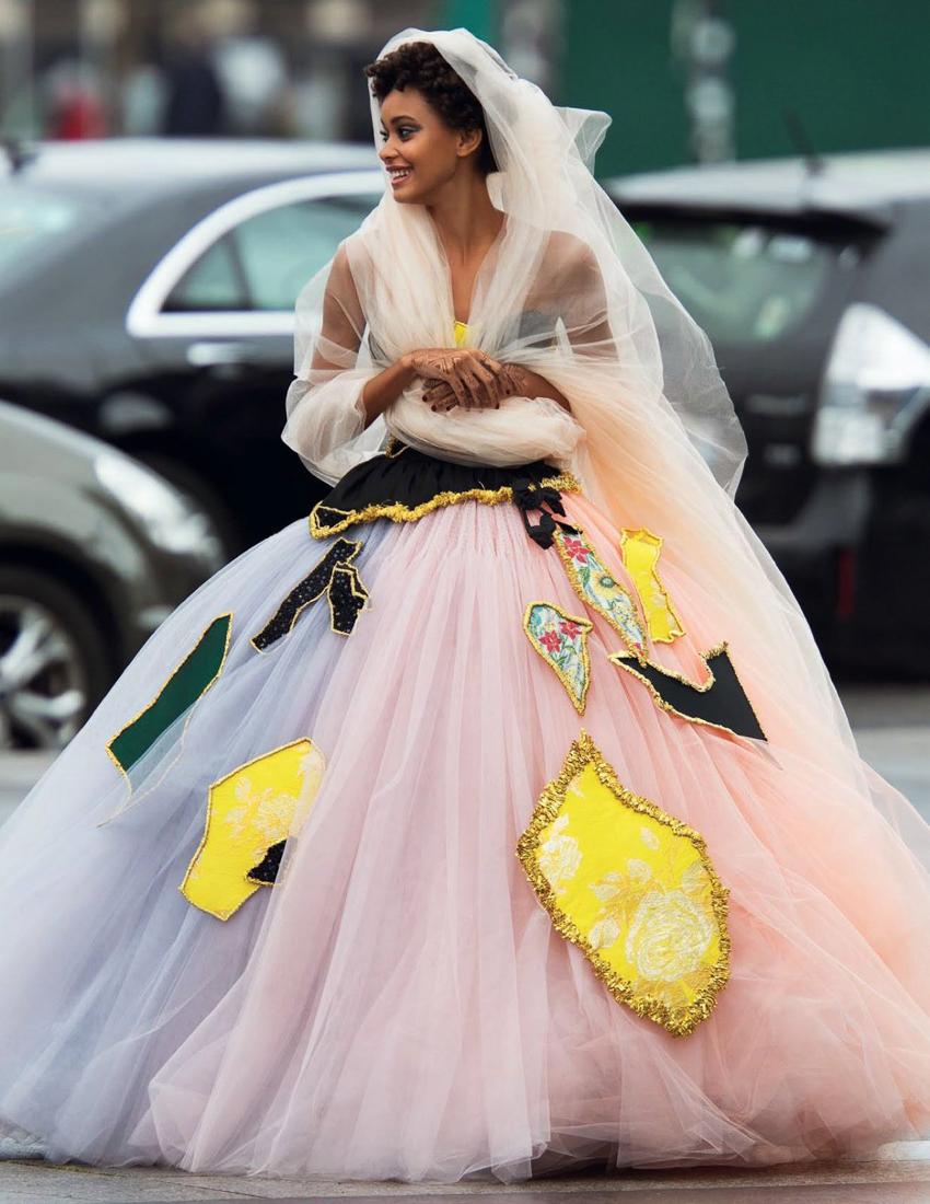 Vogue-Arabia-March-2017-Cindy-Bruna-Samile-Bermannelli-by-Hans-Feurer-12.jpg
