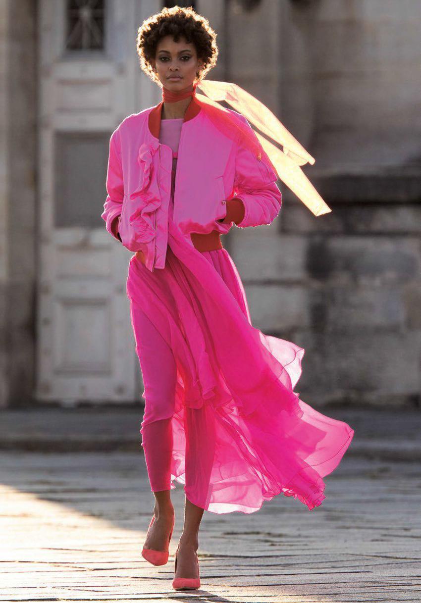 Vogue-Arabia-March-2017-Cindy-Bruna-Samile-Bermannelli-by-Hans-Feurer-14.jpg