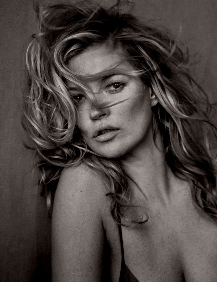 Vogue-Germany-May-2017-by-Peter-Lindbergh-00a-Kate-Moss.jpg