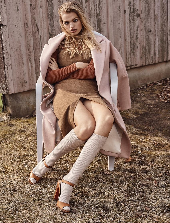 Narcisse-Magazine-Issue-6-Daphne-Groeneveld-by-Aingeru-Zorita-2.jpg