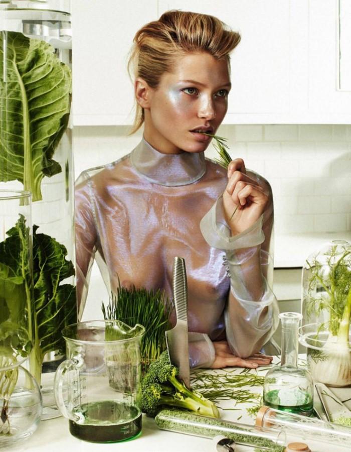 Hana-Jirickova-by-Alique-for-Vogue-Paris-May-2017- (2).jpg