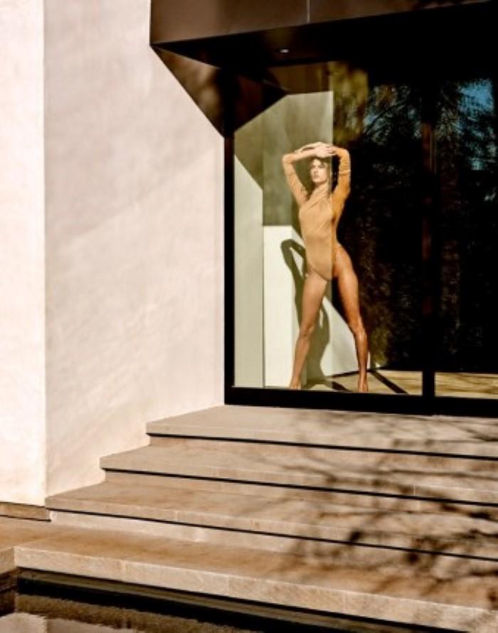 Alessandra-Ambrosio-Narcisse-Magazine-Sexy-Spring-2017-Cover-Photoshoot04.jpg