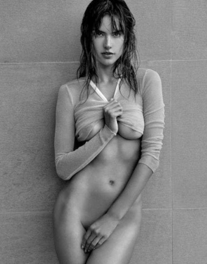 Alessandra-Ambrosio-Narcisse-Magazine-Sexy-Spring-2017-Cover-Photoshoot05.jpg