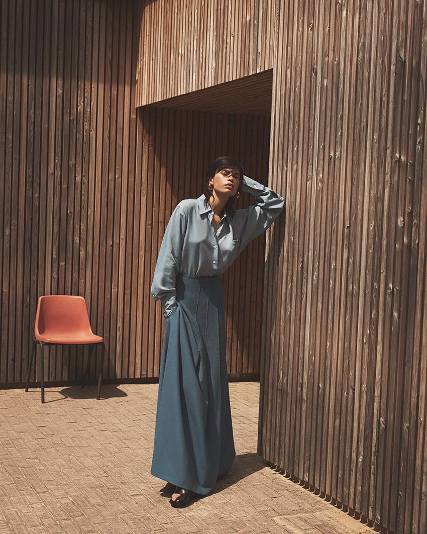 Vogue-Arabia-June-2017-Yana-Bovenistier-by-Ward-Ivan-Rafik-9.jpg