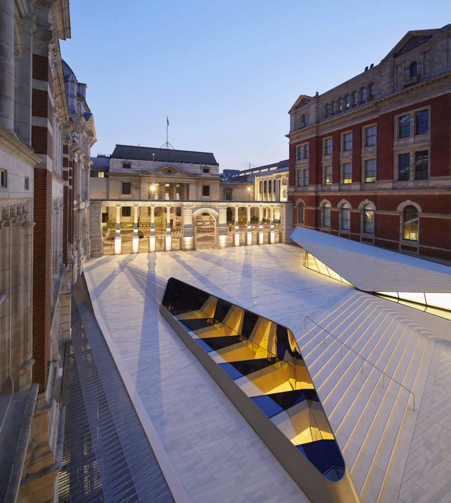 The Sackler Courtyard, the V&A Exhibition Road Quarter, designed by AL_A ©Hufton+Crow, courtesy Victoria and Albert Museum.