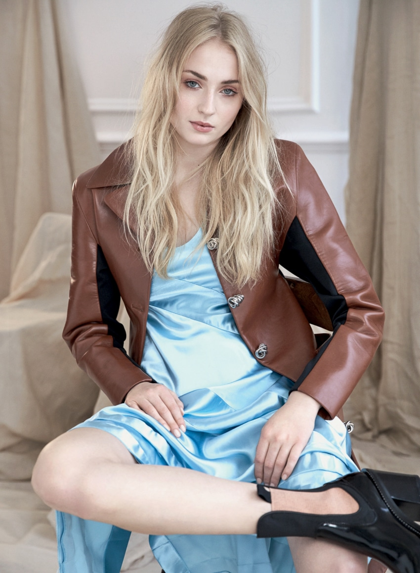 Marie-Claire-UK-August-2017-Sophie-Turner-David-Roemer-4.jpg