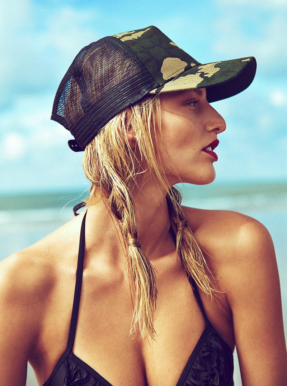 Michaela-Kocianova-Beach-Woman-Spain-July-2017-Editorial06.jpg