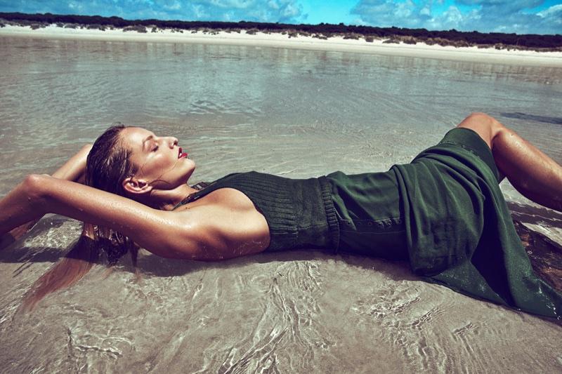 Michaela-Kocianova-Beach-Woman-Spain-July-2017-Editorial08.jpg
