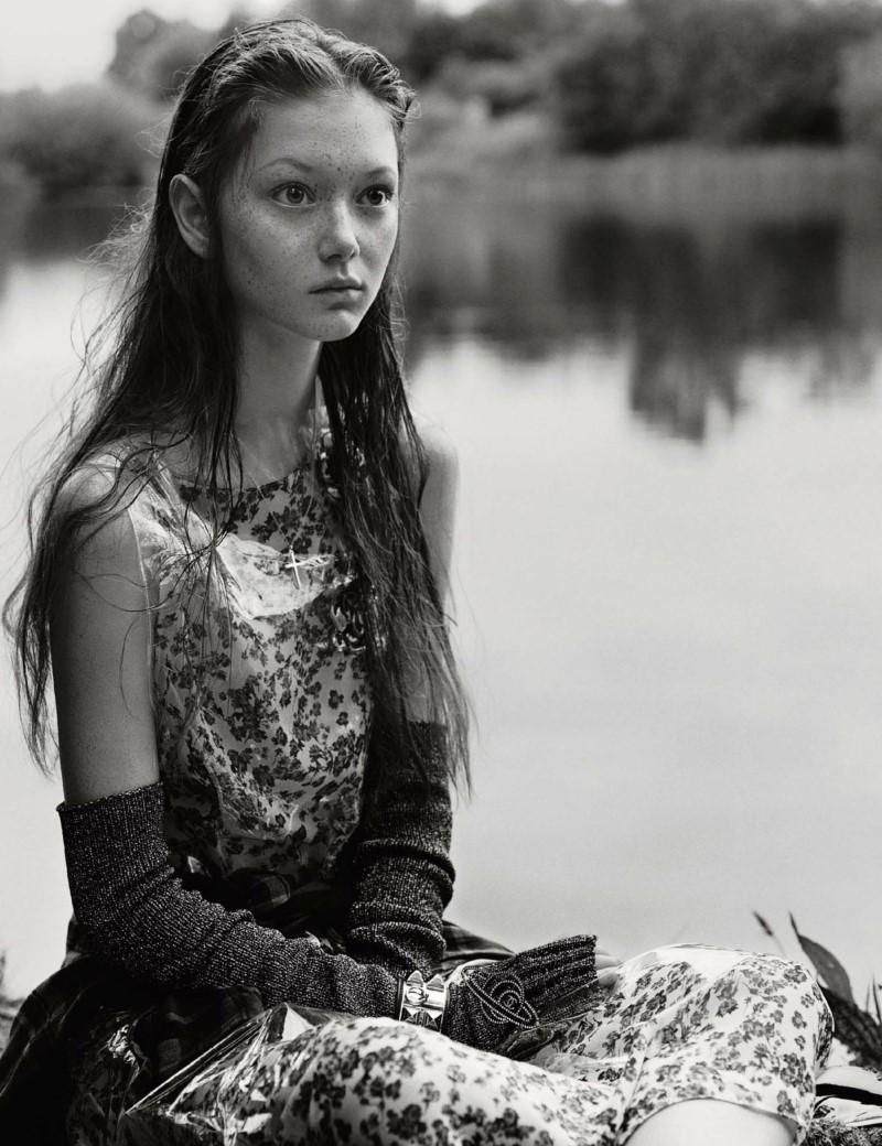 w-magazine-septemeber-2017-by-alasdair-mclellan-09.jpg
