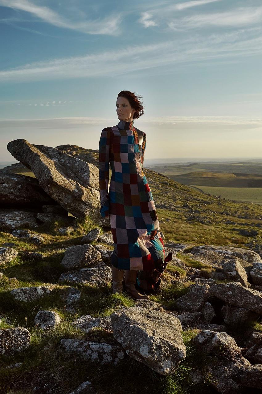 Harpers-Bazaar-UK-September-2017-Iris-Strubegger-by-Agata-Pospieszynska-12.jpg