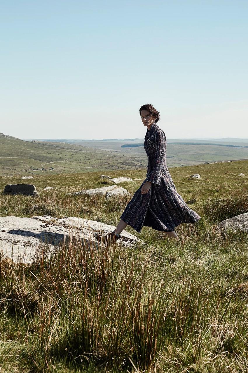 Harpers-Bazaar-UK-September-2017-Iris-Strubegger-by-Agata-Pospieszynska-13.jpg