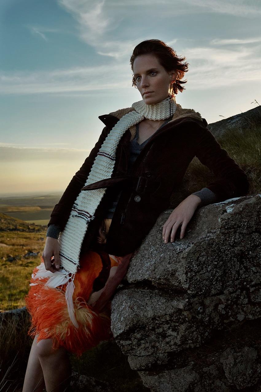 Harpers-Bazaar-UK-September-2017-Iris-Strubegger-by-Agata-Pospieszynska-11.jpg