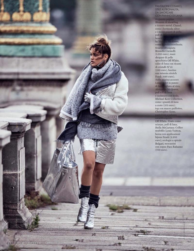 Chloe-Lecareux-Grey-Style-ELLE-Italy-September-2017-Gilles-Bensimon- (4).jpg