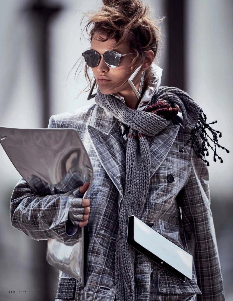 Chloe-Lecareux-Grey-Style-ELLE-Italy-September-2017-Gilles-Bensimon- (12).jpg