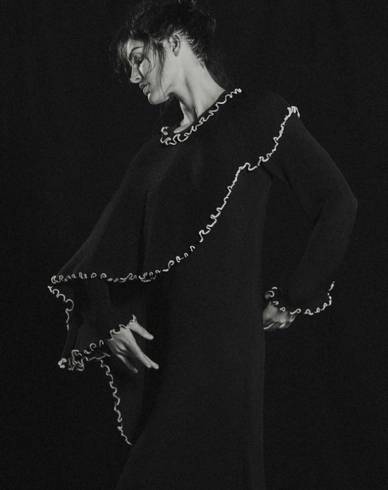 Hilary-Rhoda-Dance-Style-T-Magazine-Singapore-2017- (3).jpg