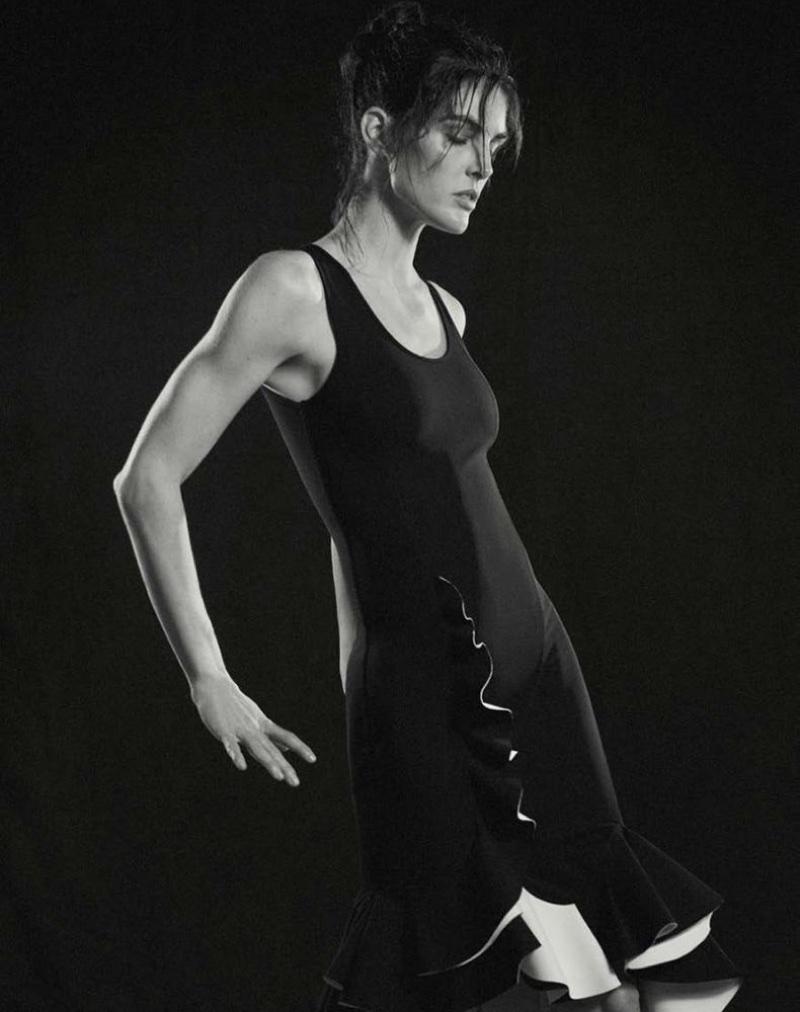 Hilary-Rhoda-Dance-Style-T-Magazine-Singapore-2017- (5).jpg
