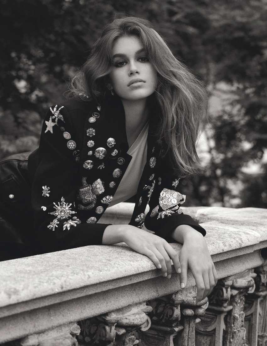 Vogue-UK-October-2017-Kaia-Gerber-by-Lachlan-Bailey-4.jpg